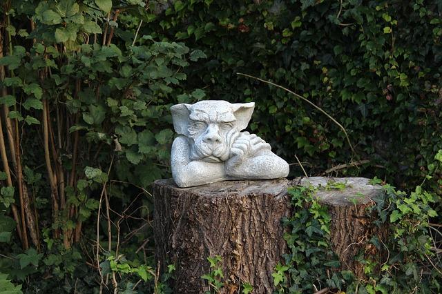 zahradní figurka