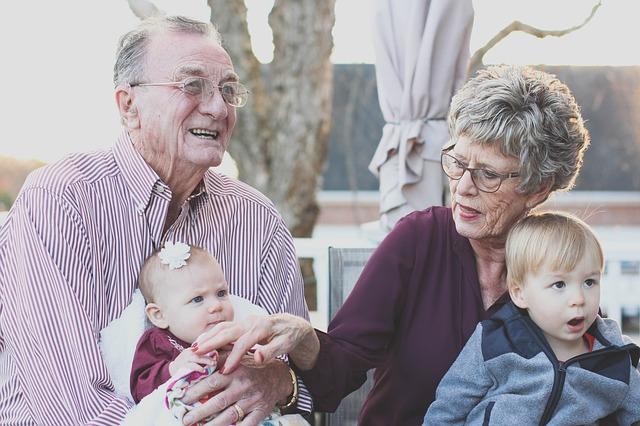 prarodiče s dětmi