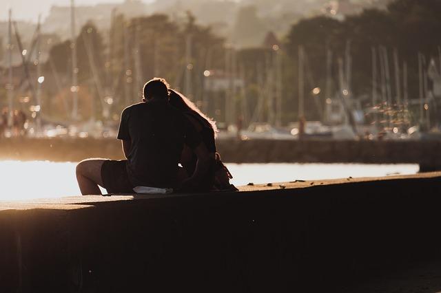 zamilovaní u vody