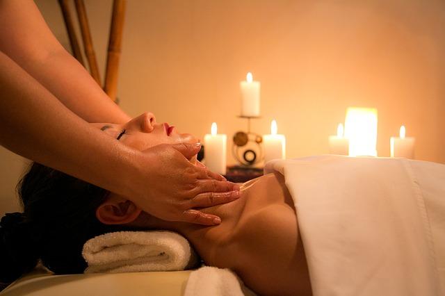 masáž při svíčkách.jpg
