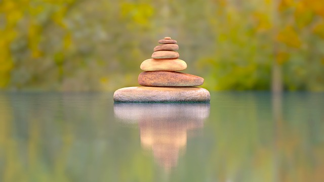 kameny na sobě
